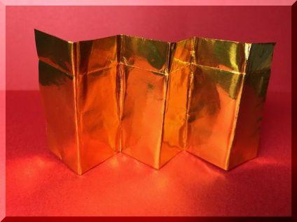金の屏風の折り紙