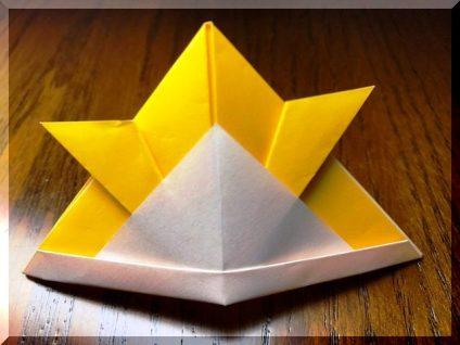 端午の節句の兜の折り紙