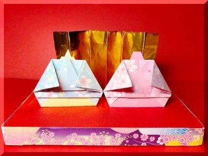 ひな祭り、お内裏様とお雛様の折り紙